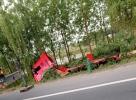 金长路附近,新二军路发生大货车侧翻事故