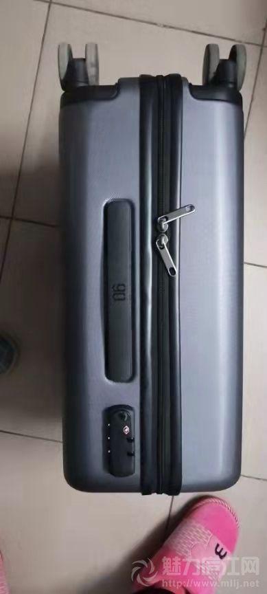 【寻物启事】寻找昨日合肥回庐江大巴车错拿的行李箱