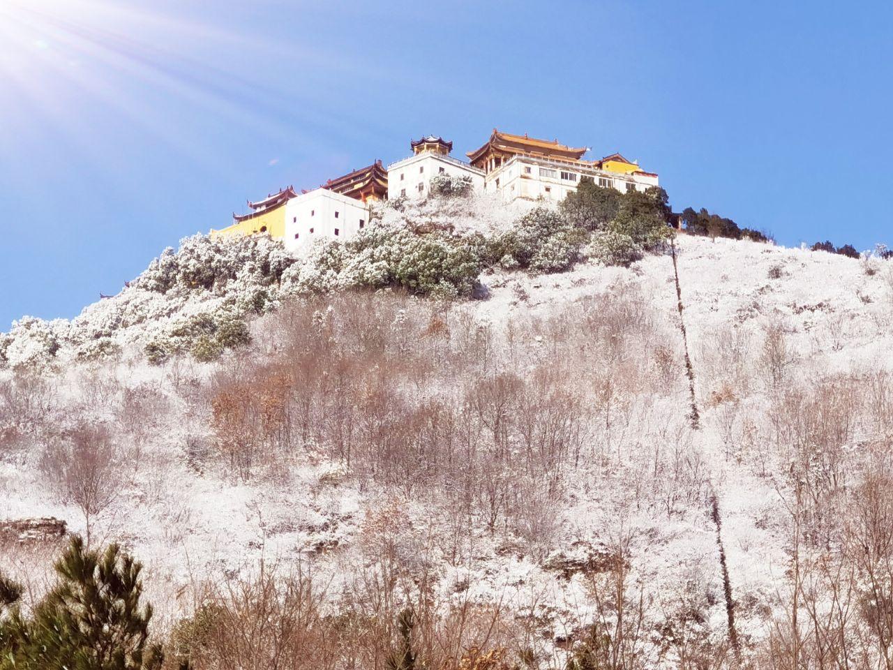 雪后岱鳌山